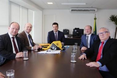 Serafin visita senadores, deputados e ministros em Brasília
