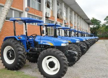 Mais de 100 municípios de SC já receberam equipamentos agrícolas
