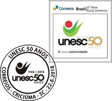 Unesc e Correios lançam o selo e carimbo dos 50 anos da Universidade