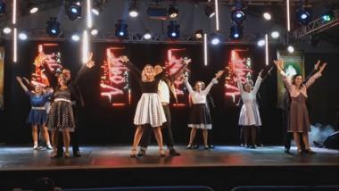 Studio Voga promove a magia em Laguna com Espetáculo Velha Infância