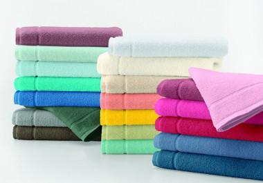 Cores vibrantes marcam a nova coleção de toalhas da Altenburg