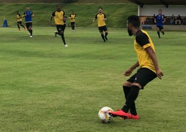 Criciúma enfrenta o Brusque domingo no Estádio Heriberto Hülse