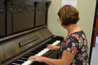 Unesc recebe doação de um piano Essenfelder