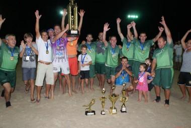 Vibrus e Fundicril campeões Verãobol Sênior 40 e 50