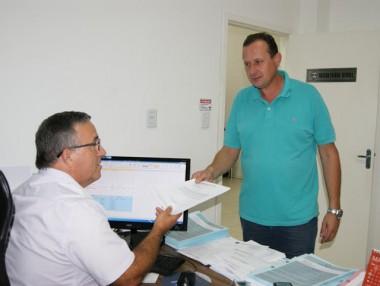Projeto de lei pretende facilitar instalação de antenas para celular