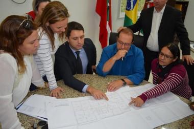 OAB e Conselho Municipal da Mulher se reúnem com secretário