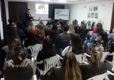Palestra aborda poder do entusiasmo nas vendas em Içara