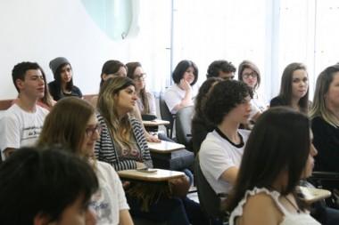 Brasil terá Ensino Médio com escolas em tempo integral