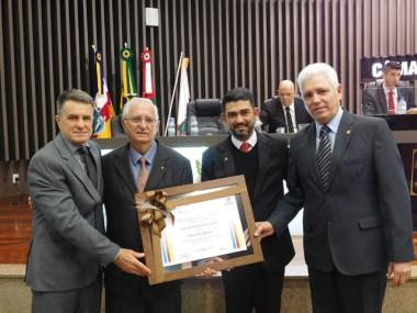 Claudio Gomes é Cidadão Benemérito em Araranguá