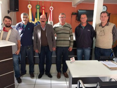 Deputado Mota em reunião no Meleiro e Morro Grande