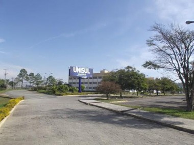 Estudante de Direito da Unisul visita à Câmara de Araranguá
