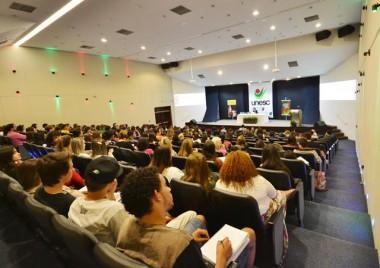 Seminário de Filosofia aborda a arte como ferramenta social