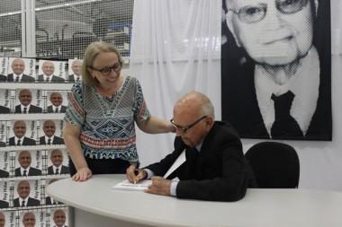 Ruy Hülse fará sessão de autógrafos na Livraria Fátima