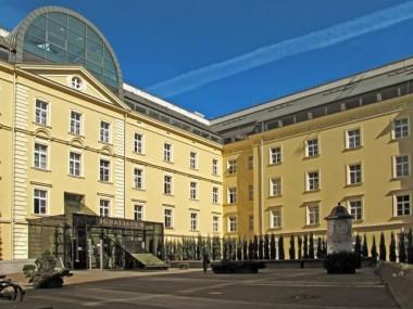 Reitor da Unesc é palestrante em simpósio na Polônia