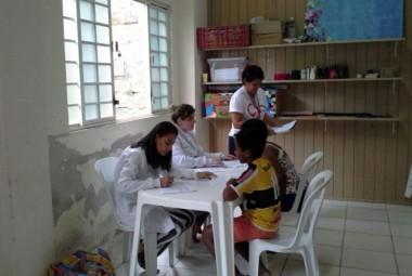 Adolescentes do Serviço da Afasc recebem Dentistas do Bem
