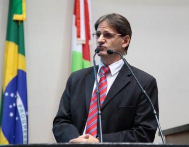 Saretta reivindica melhorias no prédio da Veterinária da Udesc