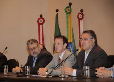 Colombo participa do lançamento da 3ª etapa do Programa Reviver