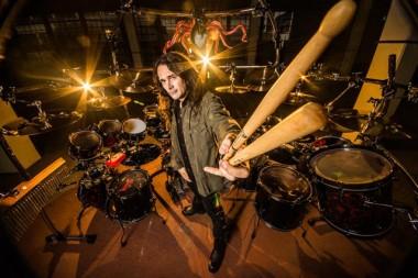 Maior baterista de heavy metal do Brasil se apresenta na Acic