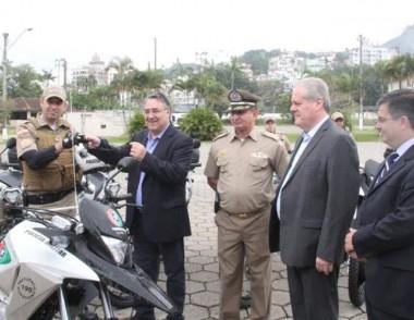 Governo entrega motocicletas para Rondas Ostensivas da PM