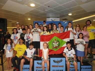 Xadrez de SC conquista 9 medalhas e tem 3 campeões
