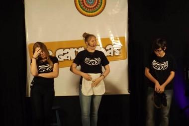 Grupo Os Gargalhas mistura humor e cotidiano em esquetes divertidas