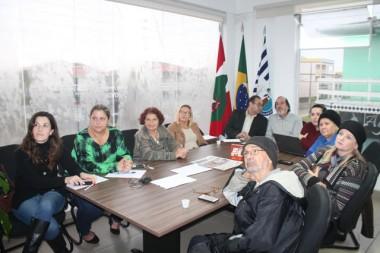 Idosos de Balneário Rincão participam de web conferência