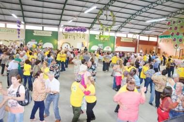 Festa do Vinho: baile da terceira idade vai movimentar Urussanga