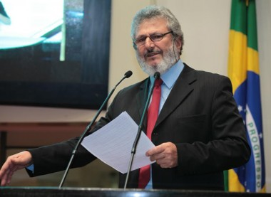 Comissão aprova fim de aposentadorias para ex-governadores