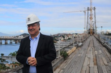 Colombo visita obras de restauração da Ponte Hercílio Luz