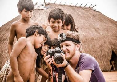 Cotidiano de tribos indígenas é tema de exposição