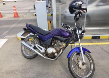 PM prende homem e recupera motocicleta furtada