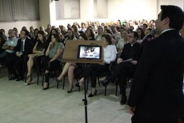 Morte é tema de palestra no teatro Elias Angeloni