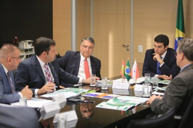 Colombo garante recursos para dragagem do rio Itajaí-Açu