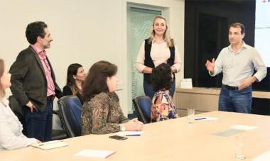 Equipe multidisciplinar de transição faz primeira reunião de trabalho