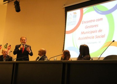SST reúne gestores de municípios catarinenses em encontro