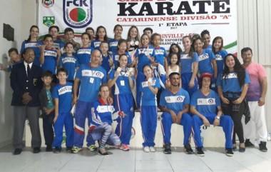 Equipe de karatê de Içara garante troféus em Joinville