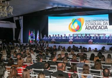 Crise institucional permeia discursos na Conferência da OAB/SC