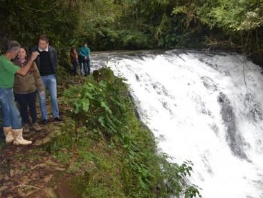 Representantes de ICMBio conhecem pontos turísticos de Jacinto