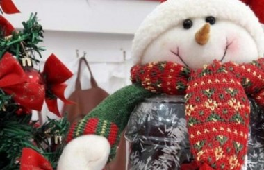 Lojas investem em decoração para o Natal de Içara