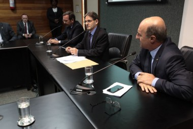 Saretta é reeleito presidente da comissão de Saúde da Alesc