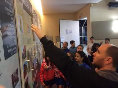 Alunos da Escola Santa Rita de Cassia visitam a AMREC