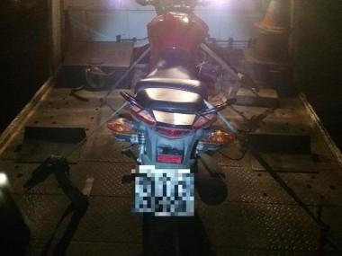 PM de Araranguá prende homem e recupera motocicleta roubada
