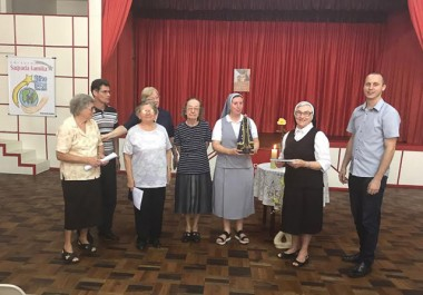Comunidades religiosas acolhem visita da imagem peregrina de Aparecida