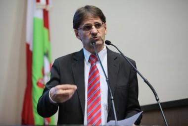 Saretta diz que a proposta de reforma vai privatizar a previdência