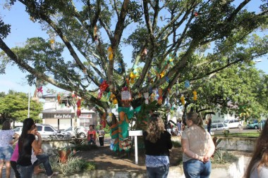 Comunidade de Maracajá se unem para decorar a cidade