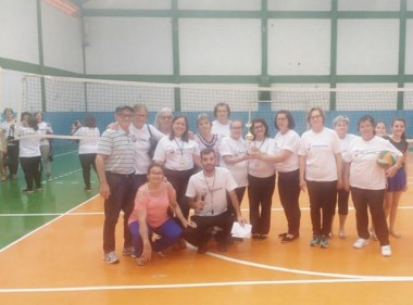 Campeonato de Vôlei para a 3ª idade incentiva prática esportiva