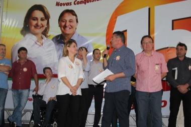 Presidente do PMDB e lideranças fazem balanço de roteiro de campanha