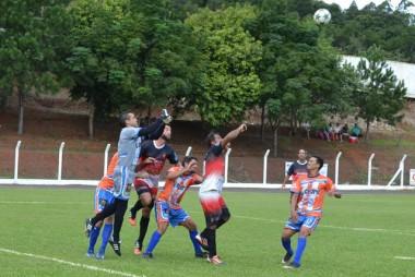 Municipal de Maracajá começa com seis gols em campeonato