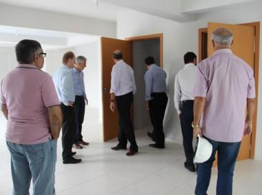 """Representantes da Caixa visitam obra do """"Minha Casa Minha Vida"""""""