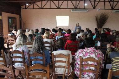 AFAVE realiza capacitação com as líderes dos Clubes de Mães